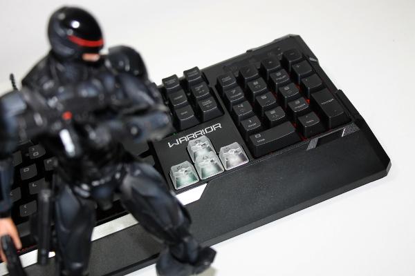 Análise: Teclado Multilaser Warrior TC208